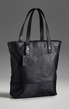 BASIC LEATHER SHOPPER BAG  1399,-