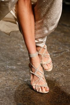 Donna Karan Spring 2013 Ready-to-Wear Fashion Show Details