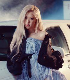 Rose Photos, Blackpink Photos, South Korean Girls, Korean Girl Groups, Mode Rose, Rose Icon, Rose Park, Black Pink Kpop, Blackpink Fashion