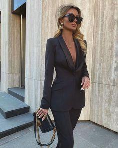 Million Bucks Lady Suit Fashion, Fashion Outfits, Womens Fashion, Fashion 2020, Women's Summer Fashion, Paris Fashion, Classy Outfits, Stylish Outfits, Looks Casual Chic