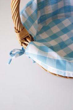 Step by Step, how to make a basket liner. Great instructions!