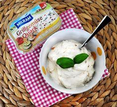 Gegrillte Paprika, Aubergine und Zucchini verstecken sich in diesem feinen Quark. Das schmeckt zu Grillfleisch, zu Kartoffeln - oder als Dip!