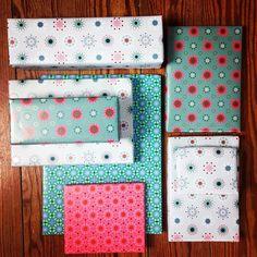 Gemustertes Geschenkpapier #merrychristmas #giftwrapping #thesimplelife #stars #geschenkpapier #geschenkpapierliebe