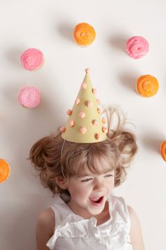#DIY Paper Pom Pom Party Hats