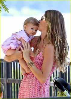 Gisele Bundchen: Park Day with Benjamin & Vivian! | Vivian looks so much like her daddy!!
