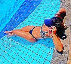 Instagram media by mariamouraooficial - Queria muito essa piscina amanhã#piscina #divasbrasileiras #diva #boanoite #querosol #rj #biquine #marquinhadebiquini