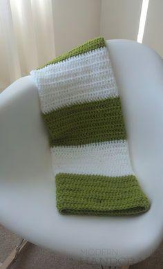 Crochet Baby Blanket  www.modernhandcraft.com