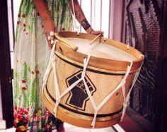 20″ | Pagu | De Stephanie Mota Tambour, Picnic, Abs, Basket, Blog, Capoeira, Carnival, School, Ideas