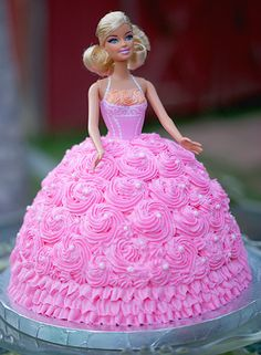 i had a barbie cake as a kid and i wish i had a little girl so i could get her a barbie cake =)