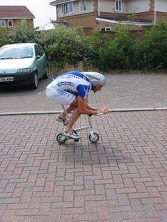 insolite cycliste mini velo