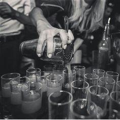 Red Wine, Alcoholic Drinks, Kitchen Appliances, Glass, Diy Kitchen Appliances, Home Appliances, Drinkware, Corning Glass, Liquor Drinks