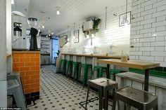 LONDON - W1 - Attendant cafe Foley St. (ex-urinal)