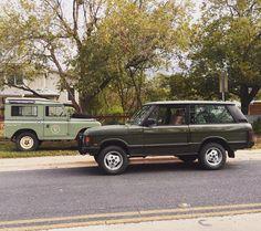 // Land Rover Series and Range Rover Classic via @DutchSafariCo