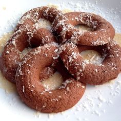 Chocolate coconut pronuts: Blend 1/2 cup oats, 1/2 cup unsweetened almond milk, 1 scoop Optimum Nutrition chocolate whey, 1/2 tbsp unsweetened cocoa powder, stevia, and 1 tsp coconut extract. Pour into a sprayed doughnut pan (makes 4 or 5) and bake at 350F for 8-9 minutes.