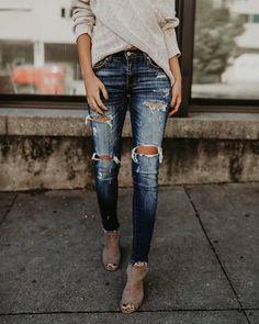 Universal Distressed Frayed Skinny – VICI #WomensShoe