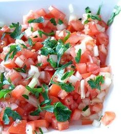 tomatensalsa, brings back good memories. Veggie Recipes, Vegetarian Recipes, Cooking Recipes, Healthy Recipes, I Love Food, Good Food, Yummy Food, Comida Latina, Happy Foods