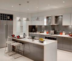 A modern kitchen,colour schemes kitchens for 2018 with cream units warm kit Kitchen Dinning Room, Apartment Kitchen, Rustic Kitchen, Kitchen Decor, Kitchen Ideas, Kitchen Black, Kitchen Inspiration, Kitchen Cabinet Colors, Kitchen Colors