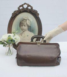 French Vintage Bag / Vintage Doctor Bag / Gladstone Bag / Vintage / Vintage Purse / Doctors Bag / Vintage Bag / French Vintage Bag