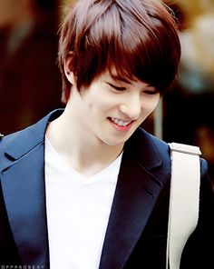 Lee jonghyun (CN Blue) OMG I thought this was Exo K's Suho :D
