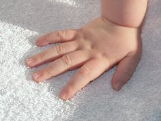 To clean carpets & mattresses: Pour about 1C of baking soda (enough for one mattress) into a mason jar & drop in 4 drops of lavender essential oil. Put on lid & shake jar. Using a kitchen strainer sprinkle the baking soda mixture all over the mattress/carpet & let it sit for an hour or more then thoroughly vacuum. Bye, bye dust mites and other nasty things. The baking soda helps draw up any moisture and deep dirtiness. It deodorizes and leaves the mattress or carpet smelling fresh & clean.