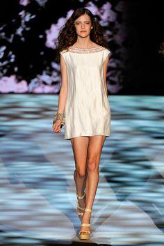 Badgley Mischka Spring 2011 Ready-to-Wear Fashion Show - Imogen Morris Clarke