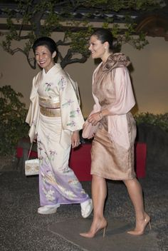 On the evening of April 19, Crown Princess Victoria of Sweden and Japan's Princess Hisako of Takamado attended a dinner at the Tofuya Ukai Restaurant in Tokyo.
