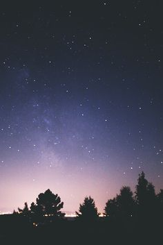Find images and videos about photography, sky and night on We Heart It - the app to get lost in what you love. Sky Full Of Stars, Star Sky, Camping 3, Phone Backgrounds, Stargazing, Night Skies, Night Time, White Photography, Cosmos
