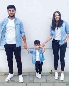 Likes, 37 Comments – Best of Street Style ( on Instagr Likes, 37 Kommentare – Best of Street Style ( auf Instagr … – Mother Son Matching Outfits, Mom And Son Outfits, Matching Couple Outfits, Baby Boy Outfits, Little Boy Outfits, Paar Style, Baby Boy Dress, Mom And Baby Dresses, Mother Daughter Fashion