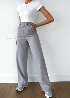 Mode Outfits, Fashion Outfits, Womens Fashion, Style Désinvolte Chic, My Style, Skirt And Top Set, Classy Casual, College Outfits, Ideias Fashion