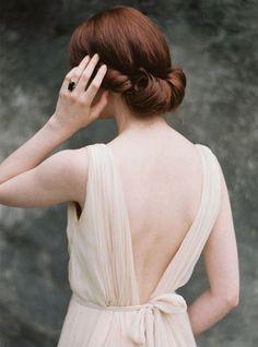 20s-style-wedding-hair-do-juliet-cap-veil