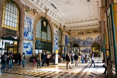 São Bento Station, Porto, Portugal Top 10 most beautiful metro station galleries http://www.mydesignweek.eu/10-most-beautiful-subway-stations-galleries/#.VJL04CusXkU