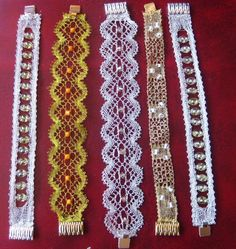 JOIES - anaiencajes - Picasa Web Albums Lace Bracelet, Beaded Bracelets, Types Of Lace, Bobbin Lace Patterns, Lacemaking, Lace Heart, Lace Jewelry, Lace Design, Jewelry Patterns