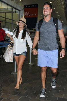 Andi Dorfman and Josh Murray Head Back to Atlanta, Show PDA at the Airport! I love these two together!