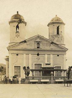 La Catedral de Nuestra Señora de la Candelaria de Mayagüez  La primera iglesia en el sitio actual era de madera y fue construida en 1763, sólo tres años después de la fundación de la ciudad El terreno fue donado por Don Juan de Aponte y don Juan de Silva. La Escritura data de 1760. El edificio fue consagrado el 21 de agosto de 1760, y el edificio de mampostería fue erigido en 1780.