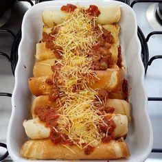 O Pavê de Limão é muito fácil de fazer, econômico e delicioso. Faça para a sobremesa da sua família e deixe todos com água na boca! Veja Também:Pavê de Ab