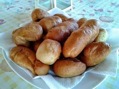 ΤΑ ΤΕΛΕΙΑ ΠΙΡΟΣΚΙ!!!!! - YouTube Greek Recipes, Pretzel Bites, Hot Dog Buns, Finger Foods, Bread, Cooking, Savoury Pies, Pastries, Youtube