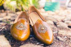 Being a groom doesn't have to mean that you have to be plain- grooms can have fun with their wedding attire too, and shoes can really elevate your look! Instead of going for the same old juttis and sh. Men's Wedding Shoes, Wedding Men, Wedding Attire, Wedding Outfits, Wedding Dress, Groomsmen Shoes, Groom Shoes, Sherwani Groom, Wedding Sherwani