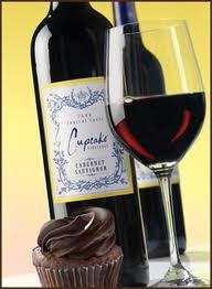 Cupcake Vineyards Cabernet Sauvignon - chocolate and red wine - heaven Savory Cupcakes, Wine Cupcakes, Cupcake Wine, Wine News, Wine O Clock, Take The Cake, Wine Cheese, Wine List, Cabernet Sauvignon