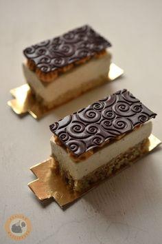 Mousse, Marzipan Cake, Winter Food, Tiramisu, Biscuits, Bakery, Deserts, Food And Drink, Vegetarian