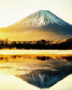 facebook 日本の美しい風景写真館 Mount Fuji Japan, Japanese Mountains, Fuji Mountain, Monte Fuji, Aesthetic Japan, Japanese Landscape, Asia Travel, Nice View, The Great Outdoors