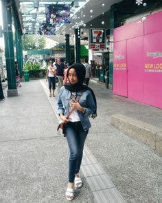 Simple style to enjoy your holiday with hijab