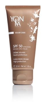 SPF 50 (SUNSCREEN)   High level protection cream, for face and sensitive areas Scentless, quickly absorbed, this cream is ideal for pale skins that have a hard time with sun and for all skin types under intensive exposure to sun. Filters UVA and UVB Maintains hydration* of the skin Helps to combat oxidizing stress and aging from sunlight. Water resistant. Perfect for children's skin. *Hydration of outer layers of skin. #sun #summer #skincare #beauty