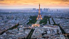 Fotografía Sunset behind the Eiffel Tower por Tomáš Vocelka en 500px