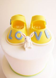 MyCupKates - Cakes, Cupcakes & Cookies: Fondant Baby Booties