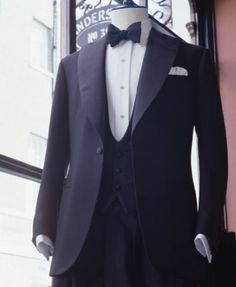 SINGLE BREASTED DINNER JACKET Anderson and Sheppard Savile Row