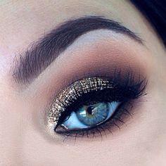Gold smokey eye #smokey #dark #glitter #bold #eye #makeup #eyes #dramatic