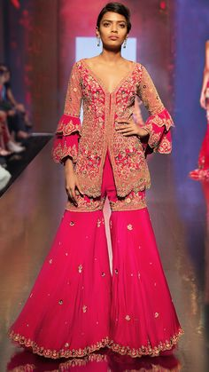 Bridal Lehenga Store flawlessly modernise Indian costumes and patterns for the millenial Bride. Sharara Designs, Lehenga Designs, Pakistani Bridal Wear, Bridal Lehenga, Lehenga Style, Ethnic Fashion, Asian Fashion, Special Dresses, Indian Couture