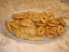 κουλουρακια-βουτυρου-μαστιχας Cookie Recipes, Shrimp, Cookies, Meat, Food, Recipes For Biscuits, Crack Crackers, Biscuits, Biscuits