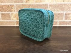 Star Stitch Zipper Pouch - free crochet pattern in English and Japanese with chart by Asami Togashi Crochet Pouch, Crochet Purses, Cute Crochet, Knit Crochet, Crochet Bags, Pouch Pattern, Star Stitch, Knitted Bags, Knitting Stitches