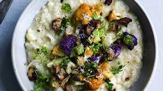 Blomkålsrisotto med parmesan og kørvel er en lækker dansk opskrift fra Go' morgen Danmark, se flere pasta og ris på mad.tv2.dk